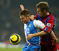 Fotball<br /> Premier League England 2004/2005<br /> Foto: SBI/Digitalsport<br /> NORWAY ONLY<br /> <br /> Crystal Palace v Blackburn Rovers<br /> Barclays Premiership. 11/12/2004<br /> <br /> Paul Dickov of Blackburn and Danny Granville of Palace tussle for the ball in a heated game at Selhurst Park.