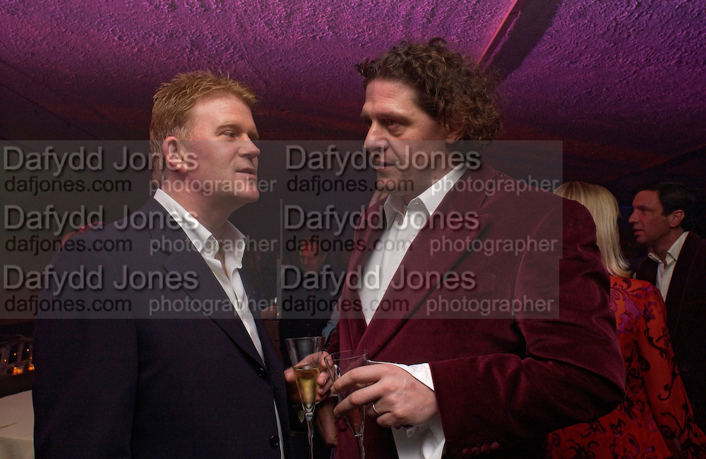 Pete Burrell and Marco Pierre white, Conservative Party - private fundraiser<br />Shepherds Bush Pavilion. 13 May 2004. SUPPLIED FOR ONE-TIME USE ONLY> DO NOT ARCHIVE. © Copyright Photograph by Dafydd Jones 66 Stockwell Park Rd. London SW9 0DA Tel 020 7733 0108 www.dafjones.com