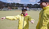 DEN HAAG - Bij Klein Zwitserland fluiten Vader Bart, en de kinderen Alex en Dailenn Thieme . Dailenn is de jongste scheidsrechter. COPYRIGHT KOEN SUYK