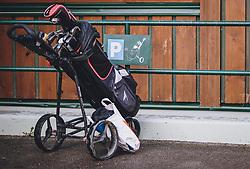 THEMENBILD - Golfbag. Golfplätze dürfen ab heute nach dem Lock Down wieder öffnen, aufgenommen am 01. Mai 2020 in Zell am See, Oesterreich // Golfbag. Golf courses are allowed to reopen after the lock down in Zell am See, Austria on 2020/05/01. EXPA Pictures © 2020, PhotoCredit: EXPA/ JFK