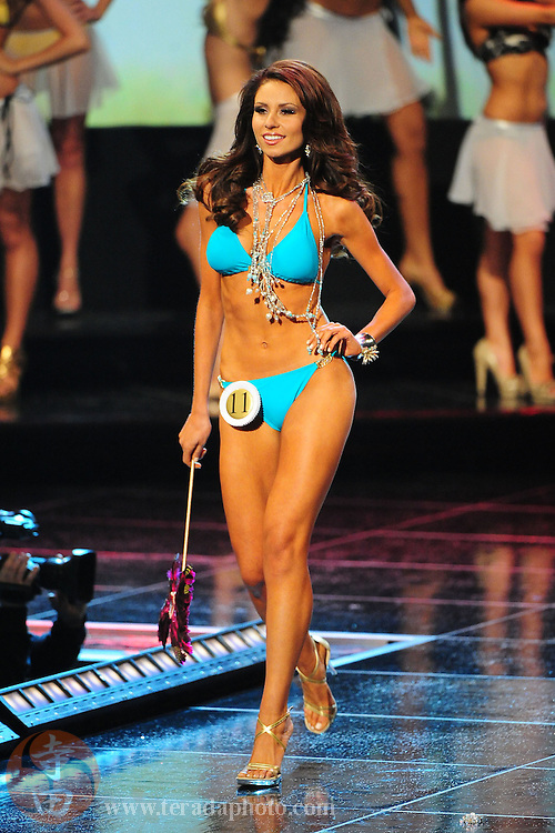 """November 22, 2009; Rancho Mirage, CA, USA; Miss Thousand Oaks USA Bonnie Carmalt poses in her swimsuit during the top 15 second round of the Miss California USA 2010 Pageant at """"The Show"""" at the Agua Caliente Resort & Spa. Mandatory Credit: Kyle Terada-Terada Photo"""