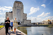 RADIO KOOTWIJK, 10-5-2021, Radio Kootwijk<br /> <br /> Koningin Maxima in Radio Kootwijk voor de viering van nieuwe en bestaande afspraken voor structureel muziekonderwijs op basisscholen in Gelderland en Overijssel bijgewoond. Naar aanleiding van de campagne '50dagenmuziek' van Meer Muziek in de Klas presenteerden de provincies nieuwe initiatieven en muziekakkoorden om meer muziekonderwijs in het lesprogramma van de basisschool op te nemen. <br /> <br /> Queen Maxima attended Radio Kootwijk for the celebration of new and existing agreements for structural music education at primary schools in Gelderland and Overijssel. In response to the Meer Muziek in de Klas '50 Days of Music' campaign, the provinces presented new initiatives and music agreements to include more music education in the primary school curriculum.