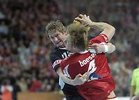 Håndball<br /> VM 2007<br /> 22.01.2007<br /> Danmark v Norge<br /> Foto: imago/Digitalsport<br /> NORWAY ONLY<br /> <br /> Jan Thomas Lauritzen (Norwegen, li.) gegen Lasse Boesen (Dänemark)