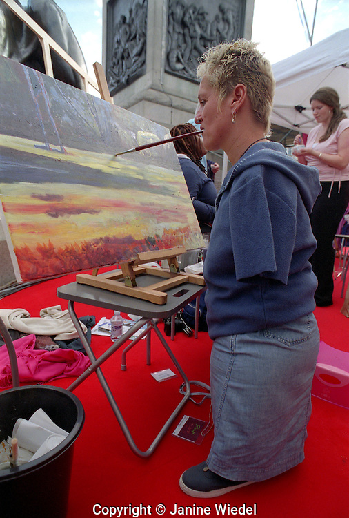 """Artist Alison Lapper at  painting event """"Art in the Square"""" september 2004. A statue of her when 8 1/2 months pregnant by Mark Quin is going up in the Square on the 4th plinth later in the year."""