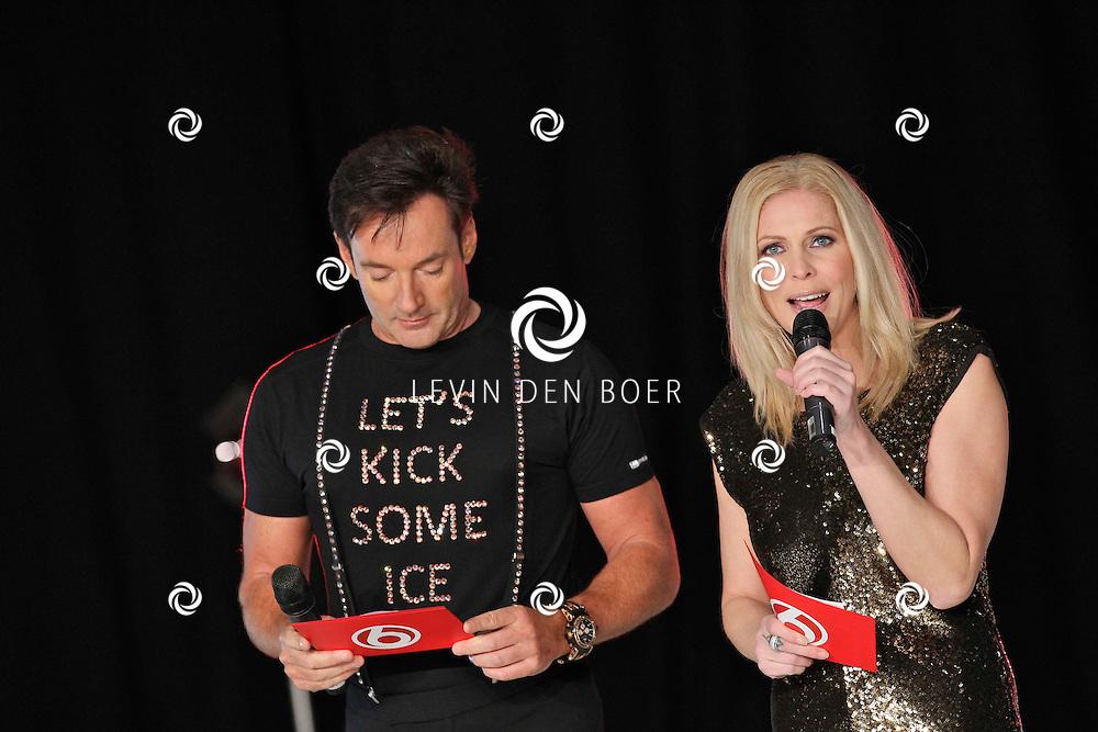 UTRECHT - Perspresentatie van SBS6 Sterren Dansen op het IJs. Met op de foto de presentatoren Gerard Joling en Nance Coolen. FOTO LEVIN DEN BOER - PERSFOTO.NU
