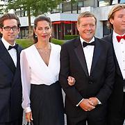 NLD/Hilversum/20100830 - Voetbalgala 2010,Soren Lerby en partner Arlette van der Meulen en zoon Kay