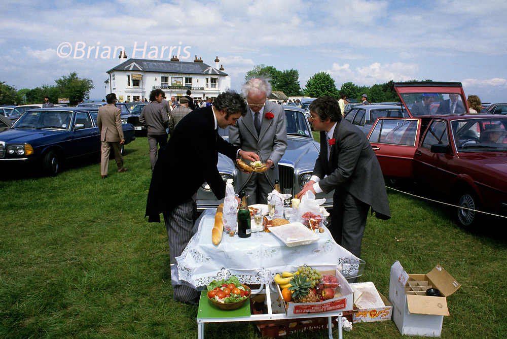 DERBY DAY 1986. PICNIC. <br /> COPYRIGHT PHOTOGRAPH BY BRIAN HARRIS  ©<br /> 07808-579804