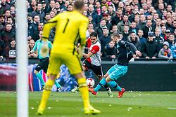 25-02-2017 NED: Feyenoord - PSV, Rotterdam<br /> 24e speelronde van seizoen 2016-2017, De Kuip / Steven Berghuis #19