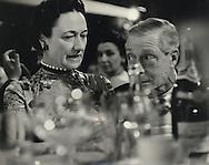Duke and Duchess of Windsor at the Lido nightclub on the Champs Elysées in Paris.<br /> <br /> Le duc et la duchesse de Windsor à la discothèque Lido sur les Champs Elysées à Paris .