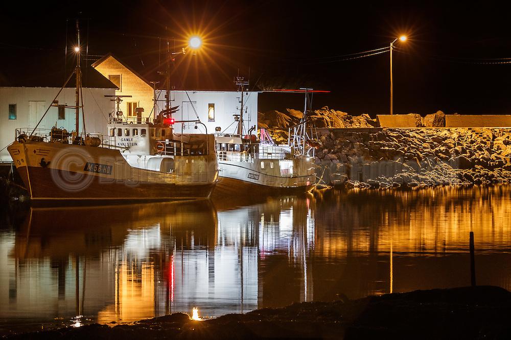 Fishing boats by the pier at Kvalsvik harbor | Fiskebåter ved kai i Kvalsvik havn. M-58-HØ, M-57-HØ
