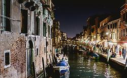 THEMENBILD - Kanalansicht mit venezianischen Häusern und Booten, aufgenommen am 03. Oktober 2019 in Venedig, Italien // Canal view with Venetian houses and boats in Venice, Italy on 2019/10/03. EXPA Pictures © 2019, PhotoCredit: EXPA/ JFK