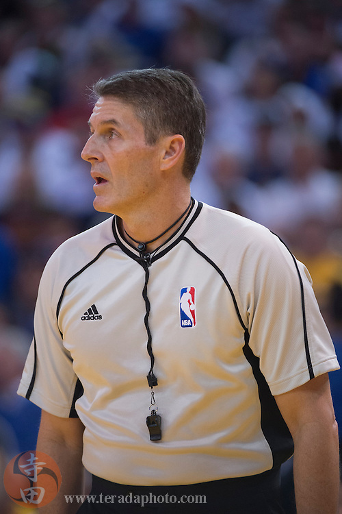 December 25, 2015; Oakland, CA, USA; NBA referee Scott Foster (48) during the second quarter in a NBA basketball game on Christmas between the Golden State Warriors and the Cleveland Cavaliers at Oracle Arena. The Warriors defeated the Cavaliers 89-83.