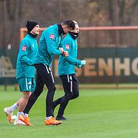 16.11.2020, Trainingsgelaende am wohninvest WESERSTADION - Platz 12, Bremen, GER, 1.FBL, Werder Bremen Training<br /> <br /> Davie Selke  (SV Werder Bremen #09)<br /> Julian Rieckmann (Werder Bremen II #33)<br /> Maximilian Eggestein (Werder Bremen #35)<br /> <br /> <br /> <br /> Foto © nordphoto / Kokenge *** Local Caption ***