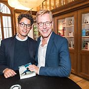 NLD/'Amsterdam/20170913 - Boekpresentatie Wilfred de Bruijn - 'Op zoek naar mijn Frankrijk', Wilfred de Bruijn en partner Olivier Couderc