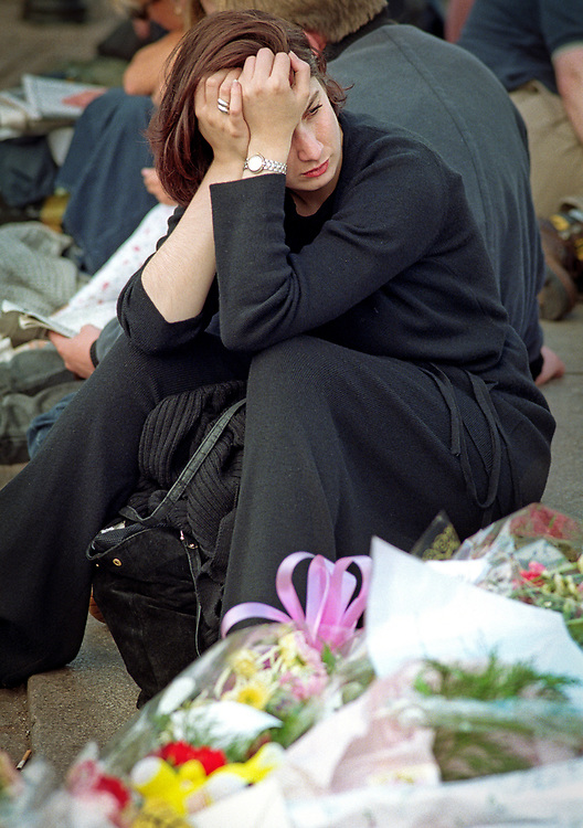 31 August 1997, 4am local time, at the Pitié-Salpêtrière Hospital, Paris.<br /> The announcement was made that most famous woman in the world had just died in a tragic car crash in a Parisian tunnel.<br /> <br /> Princess Diana's death sent the world into wide spread grief. <br /> <br /> Mourners grieve outside Buckingham Palace on the day of her funeral.
