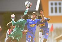 Fotball<br /> 28.04.2012<br /> Adeccoligaen<br /> Strømmen v Sandefjord<br /> Foto: Morten Olsen, Digitalsport<br /> <br /> Peter Magnusson (16) - Sandefjord<br /> Keeper Duwayne Kerr - Strømmen