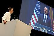 © Filippo Alfero<br /> Matteo Renzi Adesso! al Palaolimpico di Torino per le primarie del Partito Democratico<br /> Torino, 21/10/2012<br /> politica<br /> Nella foto: Matteo Renzi, sullo schermo un video con Barack Obama