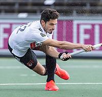 AMSTELVEEN - Tanguy Cosyns (Amsterdam)    tijdens   hoofdklasse hockeywedstrijd mannen,  AMSTERDAM-PINOKE (1-3) , die vanwege het heersende coronavirus zonder toeschouwers werd gespeeld.  . COPYRIGHT KOEN SUYK
