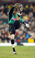 Photograph: Scott Heavey.<br /> Watford v Chelsea. FA Cup Third Round. 03/01/2004.<br /> Lenny Pidgeley, the Chelsea keeper on loan to Watford, warms up.