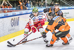 10.03.2019, Merkur Eisstadion, Graz, AUT, EBEL, Moser Medical Graz 99ers vs HCB Suedtirol Alperia, Platzierungsrunde, 54. Runde, im Bild v.l.: Matti Kuparinen (HCB Südtirol Alperia), Ken Ograjensek (Moser Medical Graz 99ers), Daniel Oberkofler (Moser Medical Graz 99ers) // during the Erste Bank Eishockey League 54th round match between Moser Medical Graz 99ers and HCB Suedtirol Alperia at the Merkur Eisstadion in Graz, Austria on 2019/03/10. EXPA Pictures © 2019, PhotoCredit: EXPA/ Dominik Angerer