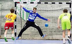 18.03.2017, BSFZ Suedstadt, Maria Enzersdorf, AUT, HLA, SG INSIGNIS Handball WESTWIEN vs Moser Medical UHK Krems, Oberes Playoff, 6. Runde, im Bild Tobias Schopf (Moser Medical UHK Krems), Florian Kaiper (SG INSIGNIS Handball WESTWIEN) // during Handball League Austria, upper play off, 6 th round match between SG INSIGNIS Handball WESTWIEN and Moser Medical UHK Krems at the BSFZ Suedstadt, Maria Enzersdorf, Austria on 2017/03/18, EXPA Pictures © 2017, PhotoCredit: EXPA/ Sebastian Pucher