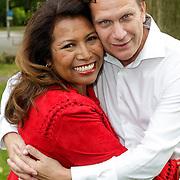 NLD/Amsterdam/20120822 - Perspresentatie SBS Sterren Springen, deelneemster Justine Pelmelay en partner Ronald van Driel