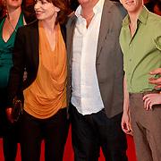NLD/Den Haag/20110406 - Premiere Alle Tijden, Lineke Rijxman, Paul de Leeuw en pop van Christopher Pappen