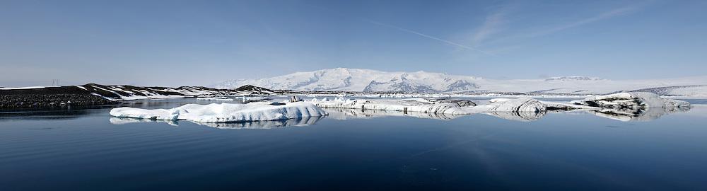 The lake, Jokulsarlon in Breidamerkursandur, Iceland -Jökulsárlón á Breiðamerkursandi