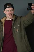 Enzo Knol - vlogger op YouTube . Enzo heeft meer dan 600.000 volgers op YouTube