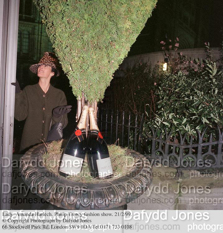 Lady  Amanda Harlech. Philip Treacy fashion show. 21/2/99. © Copyright Photograph by Dafydd Jones<br /> 66 Stockwell Park Rd. London SW9 0DA Tel 0171 733 0108