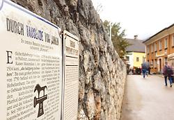THEMENBILD - Hallstatt - der Ort mit besonderem Flair - liegt mitten im Salzkammergut am idyllischen Hallstätter See. Informationsschilder zur Erinnerung an die Habsburger Zeit, aufgenommen am 31. März 2018, Hallstatt, Österreich // Hallstatt - the place with a special flair - is located in the middle of the Salzkammergut on the idyllic Lake Hallstatt. Information signs to commemorate the Habsburg era on 2018/03/31, Hallstatt, Austria. EXPA Pictures © 2018, PhotoCredit: EXPA/ Stefanie Oberhauser