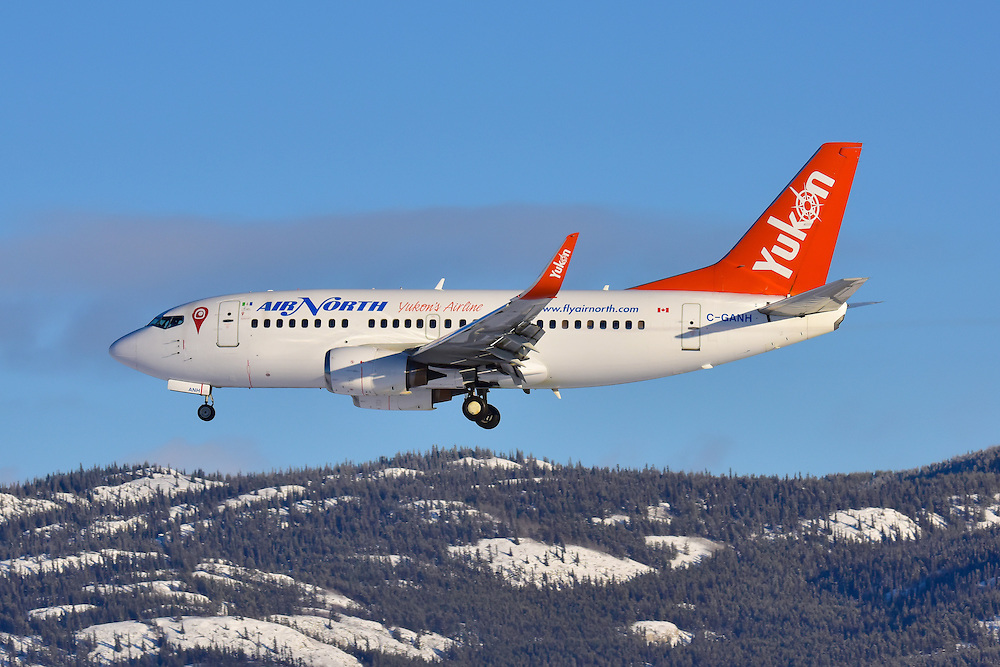 Flying past Grey Mountain on short final for Runway 32L