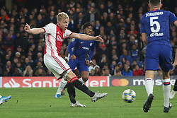 November 5, 2019: AMSTERDAM, NETHERLANDS - OCTOBER 22, 2019: Donny van de Beek (Ajax) pictured during the 2019/20 UEFA Champions League Group H game between Chelsea FC (England) and AFC Ajax (Netherlands) at Stamford Bridge. (Credit Image: © Federico Guerra Maranesi/ZUMA Wire)