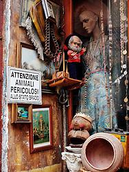 Passeggiata in città vecchia a Taranto riscoprendo le antiche botteghe