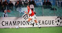 Ray Parlour (Arsenal). S.S.Lazio 1:1 Arsenal, UEFA Champions League, Group B, Olympic Stadium, Rome, 17/10/2000. Credit Colorsport / Stuart MacFarlane.