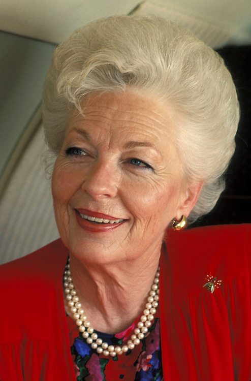 1990 FILE PHOTO of former Texas Governor Ann Richards. Richards, 72, has been diagnosed with cancer of the esophagus, a rare and often fatal disease in women. © Bob Daemmrich  /