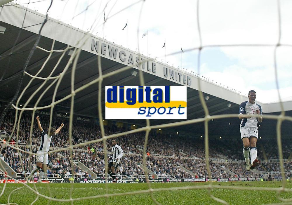Photo: Andrew Unwin.<br />Newcastle United v Tottenham Hotspur. The Barclays Premiership. 01/04/2006.<br />Tottenham's Mido (L) and Jermaine Jenas (R) celebrate Robbie Keane's goal.