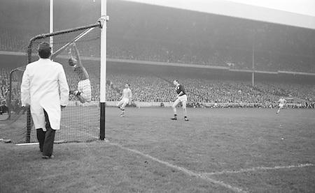 All Ireland Senior Football Championship Final, Dublin v Galway, 22.09.1963, 09.23.1963, 22nd September 1963, Dublin 1-9 Galway 0-10,...Galway Goalie jumps - ball goes over bar for a point ..22.09.1963  22nd September 1963Dublin.1-9.Galway.0-10..P. Flynn, L. Hickey, L. Foley, W. Casey, D. McKane, P. Holden, M. Kissane, D. Foley (Captain), John Timmons, B. McDonald, Mickie Whelan, G. Davey, S. Behan, D. Ferguson, N. Fox..Sub: P. Downey for P. Holden..D. Foley (Captain).