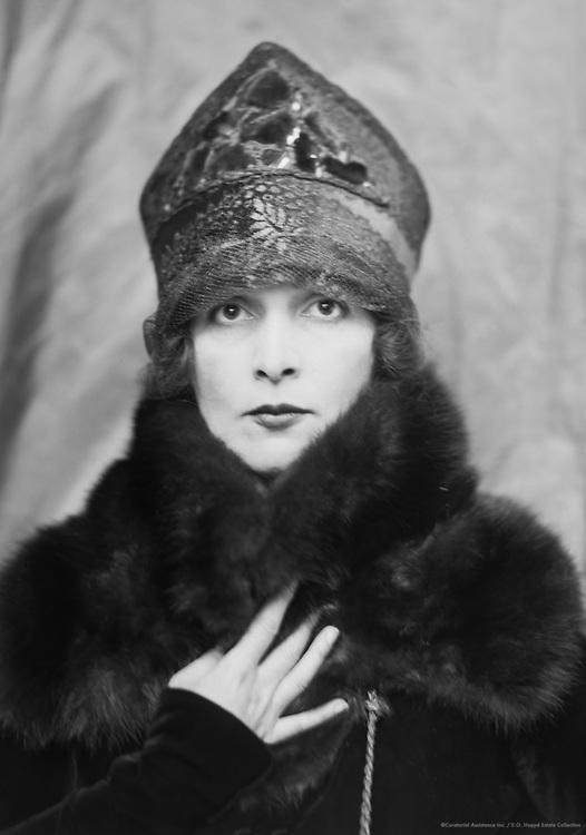 Lady Hazel Lavery, artist and socialite, wife of Sir John Lavery, 1913
