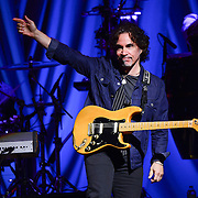 ALLENTOWN, PA - MAY 06:  Guitarist John Oates of Hall and Oates performs live at at PPL Center on May 6, 2015 in Allentown, Pennsylvania.  (Photo by Lisa Lake/Getty Images)