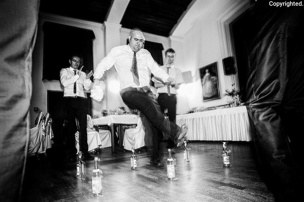 Recent wedding by a reportage and event photographer Anton Fric