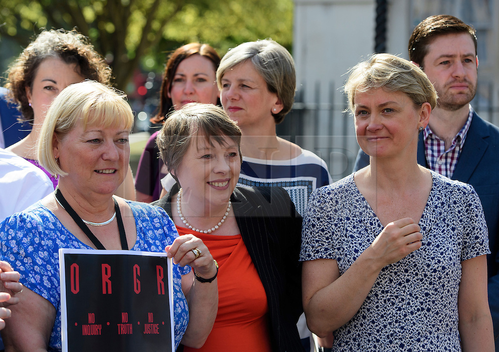 §© Licensed to London News Pictures. 13/09/2016. London, UK.  Labour MPs PAT GLASS, MARIA EAGLE and YVETTE COOPER attend a rally outside the Parliament in London for the Orgreave Truth and Justice Campaign, which calls for a public inquiry into the June 1984 confrontation between police and pickets at the British Steel Corporation coking plant in Orgreave, South Yorkshire. Photo credit: Ben Cawthra/LNP