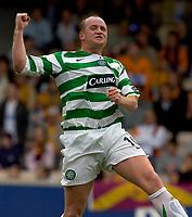Motherwell v Celtic, Scottish Premier League, Fir Park, Motherwell.  Pic ian Stewart, Saturday 30th July 2005<br /> Hartson celebrates after scoring