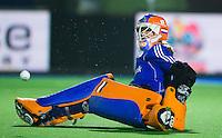 BOOM -  Keeper Joyce Sombroek tijdens shoot out bij de halve finale van het EK hockey tussen de vrouwen van Nederland en Engeland (1-1) . Engeland wint na shoot out.  ANP KOEN SUYK