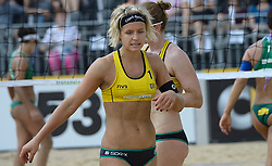 17-07-2014 NED: FIVB Grand Slam Beach Volleybal, Apeldoorn<br /> Poule fase groep G vrouwen - Laura Ludwig (1), Julia Sude (2) GER