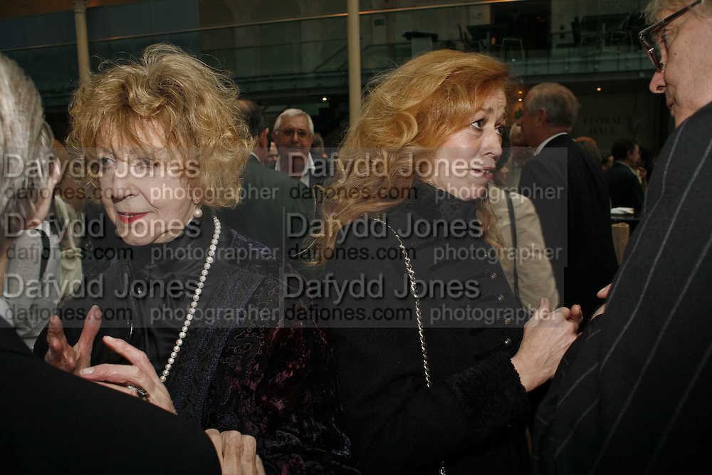 Moura Fraser and Bryony Brind, 75 Anniversary celebration fort the Royal Ballet. Royal Opera House. Covent garfden. London. 23 April 2006. ONE TIME USE ONLY - DO NOT ARCHIVE  © Copyright Photograph by Dafydd Jones 66 Stockwell Park Rd. London SW9 0DA Tel 020 7733 0108 www.dafjones.com