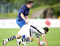 Fotball , <br /> UEFA Cup , <br /> 14.08.08 , <br /> Nadderud stadion , <br /> Stabæk Fotball - Stade Rennais FC , <br /> Veigar Pall Gunnarsson i duell med Carlos Bocanegra ,  <br /> Foto: Thomas Andersen / Digitalsport
