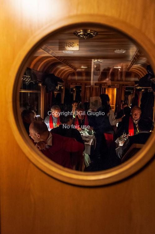 Suisse, canton des Grisons, train rhétique Bernina Express entre Coire et Davos // Switzerland, district of Grisons, Bernina Express rhetic train between Chur and Davos