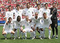 Fotball<br /> VM U20 Canada<br /> 02.07.2007<br /> Foto: imago/Digitalsport<br /> NORWAY ONLY<br /> <br /> Lagbilde Portugal<br /> Mannschaftsfoto Portugal U20, hinten v.li.: Bruno Gama, Paulo Renato, Joao Pedro, Zequinha, Nuno Coelho und Torwart Rui Patricio, vorn.: Bruno Pereirinha, Mano, Antunes, Pele und Fabio Coentrao