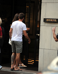 "Milan, Fabio Borini shopping with his girlfriend Erin O'Neill Fabio Borini, a new Milan striker, comes to the center with his girlfriend Erin O 'Neill for shopping. They are in Montenapoleone Street as they enter the ""Prada"" boutique."